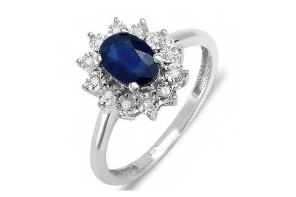 Imagem apresenta lindo anel em ouro branco com pedra de safira inspirado no anel de noivado do príncipe William e da princesa Kate